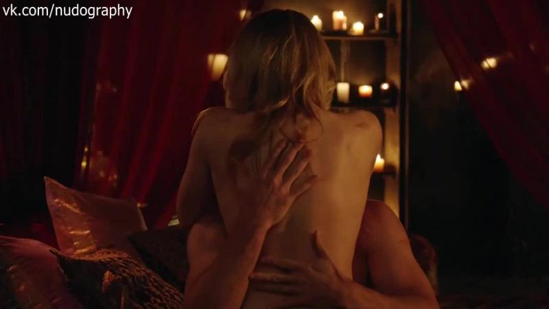 Эмили Бетт Рикардс (Emily Bett Rickards) обнажённая в сериале