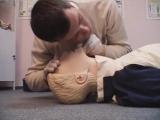 Универсальный алгоритм проведения сердечно-легочной реанимации у взрослых - YouTube