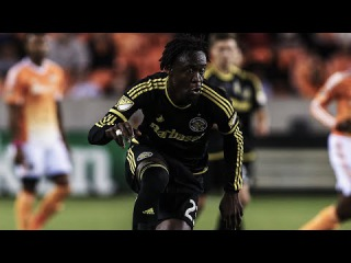 GOAL: Kei Kamara finishes off a beautiful Waylon Francis cross | Columbus Crew SC vs. Toronto FC