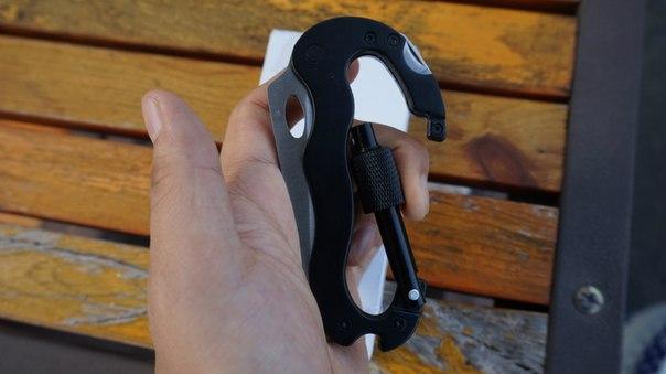 Banggood: Многофункциональный карабин: нож-пила, отвертки и открывашка