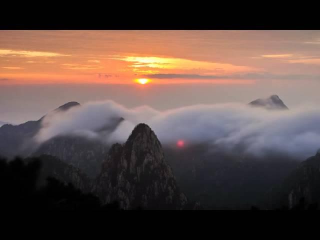 Рассвет в горах, очень красивое видео