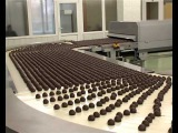 как делают конфеты, роботы упаковщики