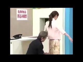 Как полапать японок без палева   18+ Японское шоу  Japanese girls