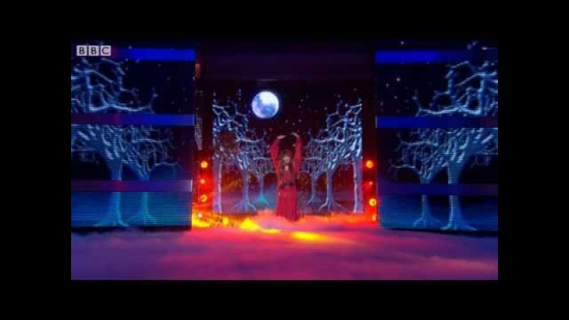 Noel Fielding does Wuthering Heights - Lets Dance for Comic Relief 2011 Final - BBC One