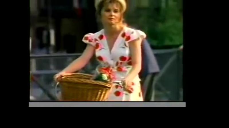 RK Sings - Is it all in my head ( сериал Дневники Красной туфельки 12. Девушка на велосипеде, США, 2000 )