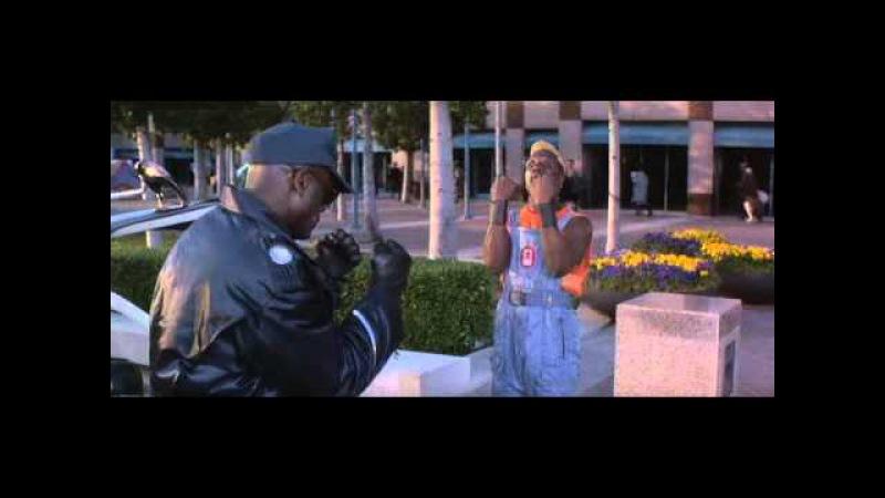 Demolition Man (1993) Simon Phoenix beats up cops