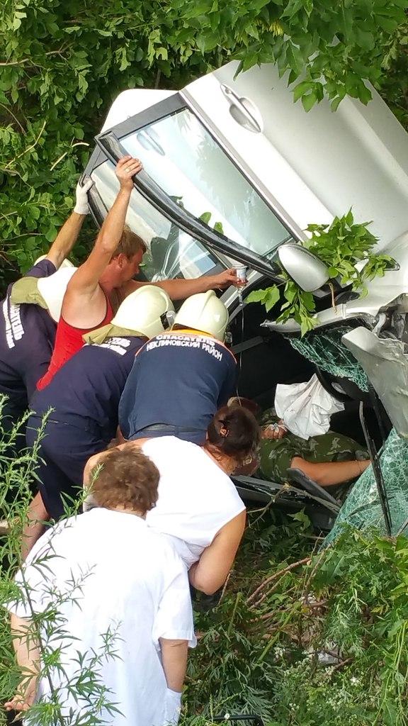Под Таганрогом опрокинулся автомобиль «Киа Рио»