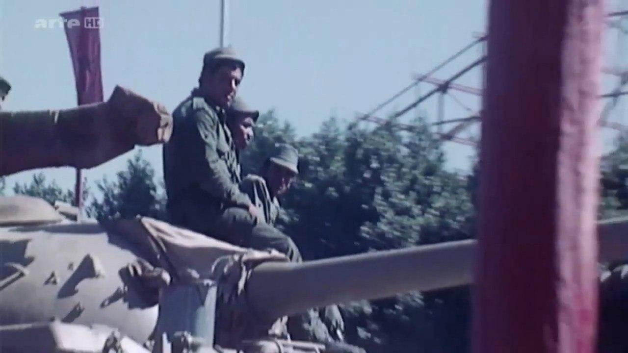 Les FAR durant la Marche Verte 1975 UycMkiDxgew