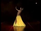 восточный танец очень красиво танцует!!!