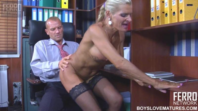 секретарша ебется с деректорам