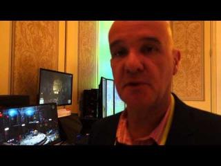 Ричард Хадди показывает стенд AMD на CES 2015