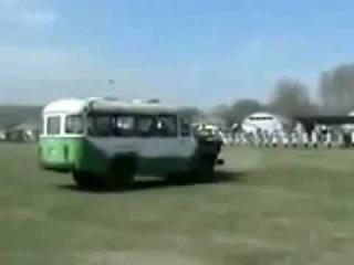 Убил палкой автобус(RUS омон)