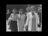 Девушка с мобильником в 1938 году? Теория заговора