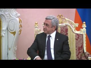 Президент Армении Серж Саргсян принял в своей резиденции президента России Владимира Путина 24 апреля 2015 года
