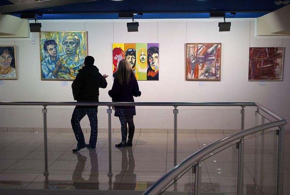 В галерее Арт Донбасс