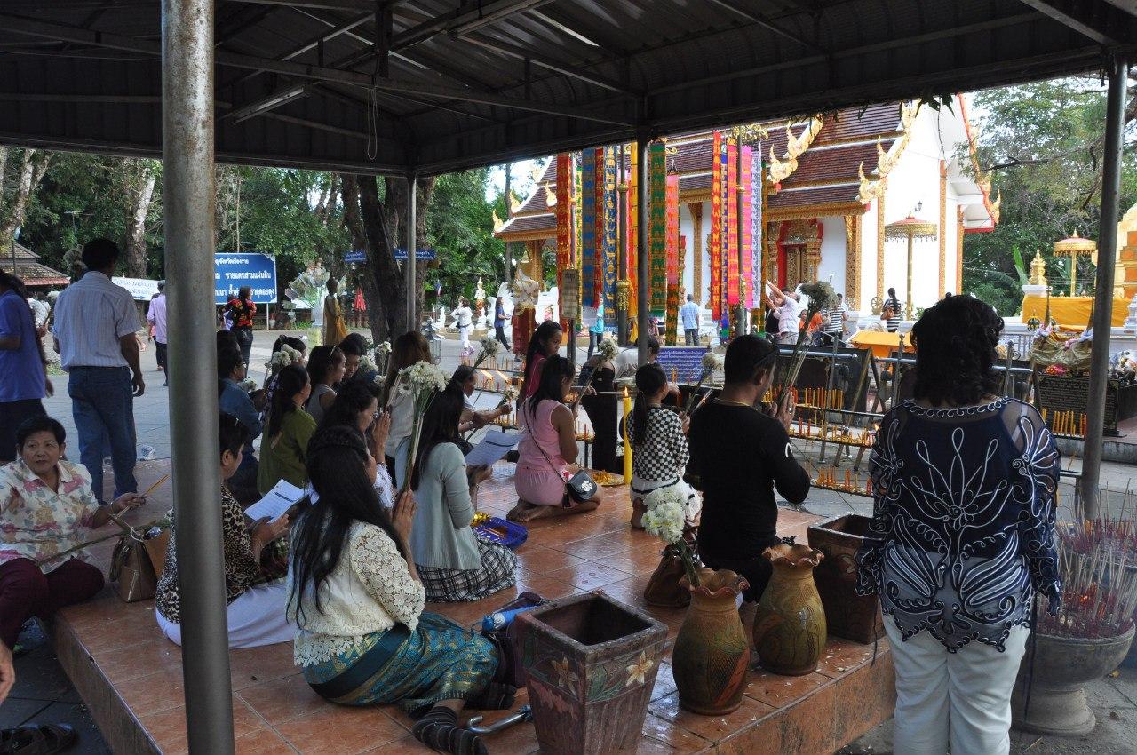храм по дороге к дендрарию Mae Fah Luang Arboretum