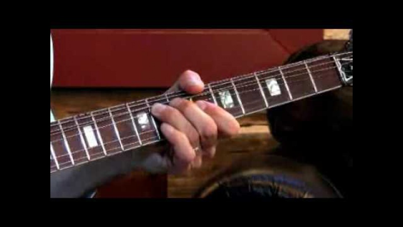 Larry Carlton - 335 Improv - Soloing Over I-VI-II-V - Blues Guitar Lessons