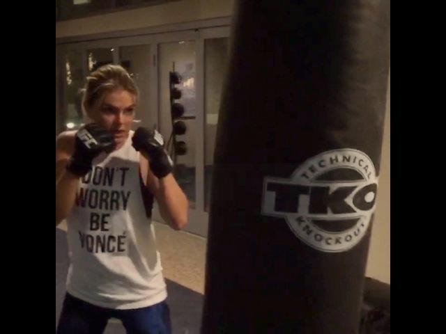"@serindaswan on Instagram: ""Boom boom pow... Training w @linoeding to kick some GracelandTV ass in a week!"""