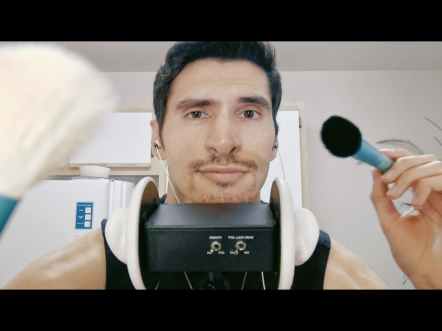 [ASMR] Camera Brushing and Spanish Whispers [binaural] [male]