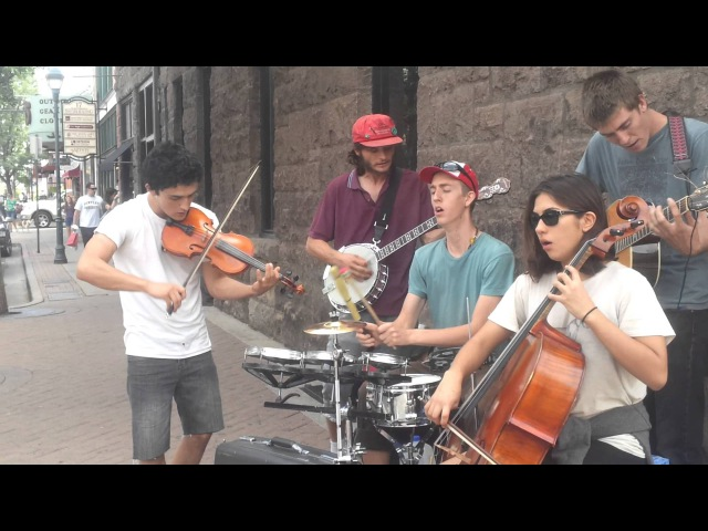 Alburquerque's The Leaky Faces busking Flagstaff