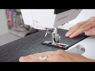 Tutorial: how to sew buttonholes with the BERNINA presser feet no. 3, 3A, 3B and 3C