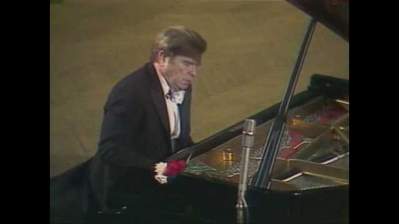 Gilels plays the Prelude in B minor (Bach / Siloti)