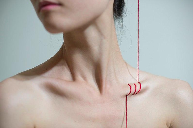 Как сделать красивые плечи и ключицы