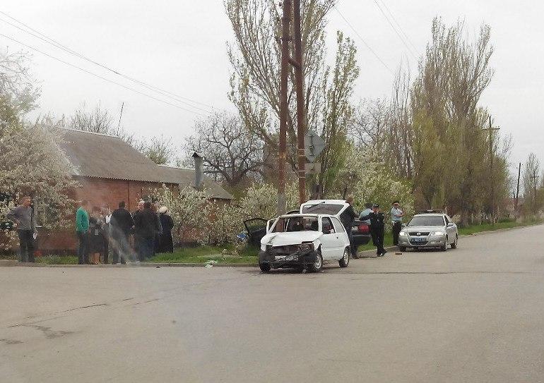 В Таганроге при столкновении автомобилей «Ока» и Volkswagen Passat пострадали 4 человека