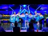 Монгольские дети танцуют русский танец (