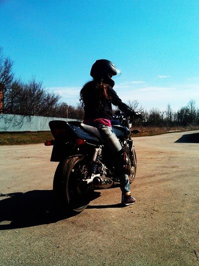 Фото парня на аву на мотоцикле девушка