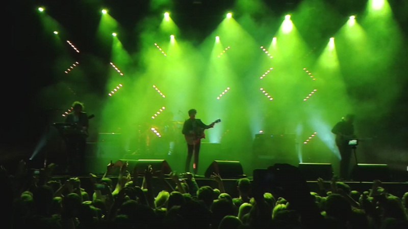 The Kooks - She Moves in Her Own Way. Stadium Live. 6.11.15