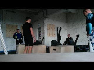 гребля-35 калл-прыжки-21-отжимание-10-3 круга)