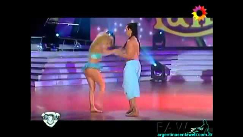 Virginia Gallardo Bailando Lambada HD