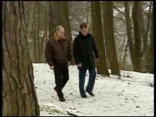 Чичваркин агитирует за Медведева и Путина(вот так славный В.В.П заставил человека встать на колени)
