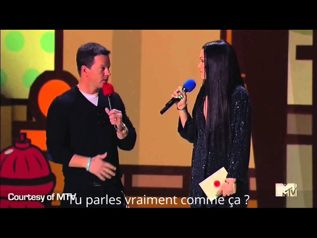 MTV Movie Awards - Interview de Maia Mitchell ( bref extrait récompense Jlo) [VOSTFR]