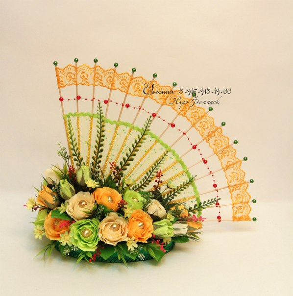 Композиции из конфет цветов
