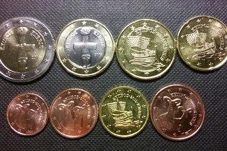 Поменять монеты евро на рубли москва ювелирный антиквариат москва