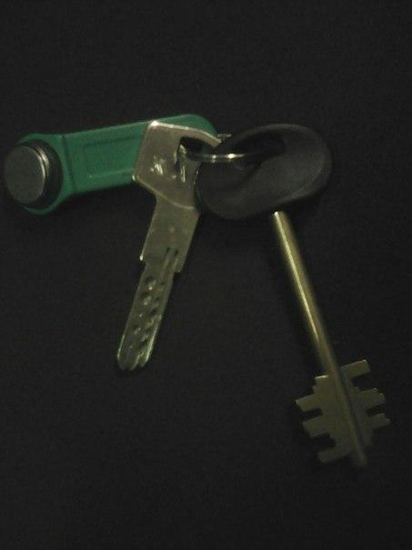 Найдены ключи в вагоне метро