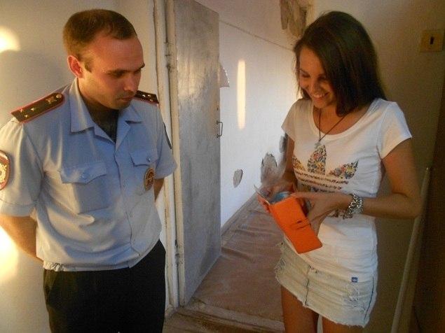 Жительнице Таганрога вернули забытый кошелек полицейские Краснодарского края