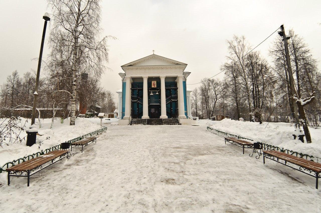 Церковь Михаила Архангела, построена в 1830-41 гг.