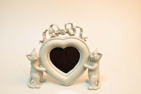 Дизайн - предмет интерьера в форме сердца