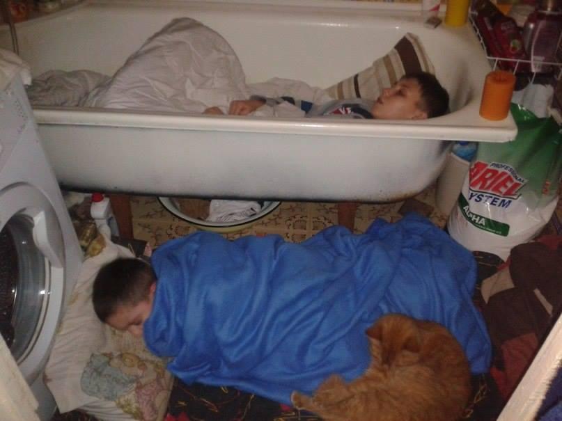 Вот так спят дети Донецка