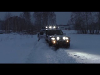 Off road 4х4 Toyota Land Cruiser 100 V8 - Auto Show