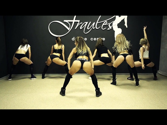 Girls naked booty dance — 8