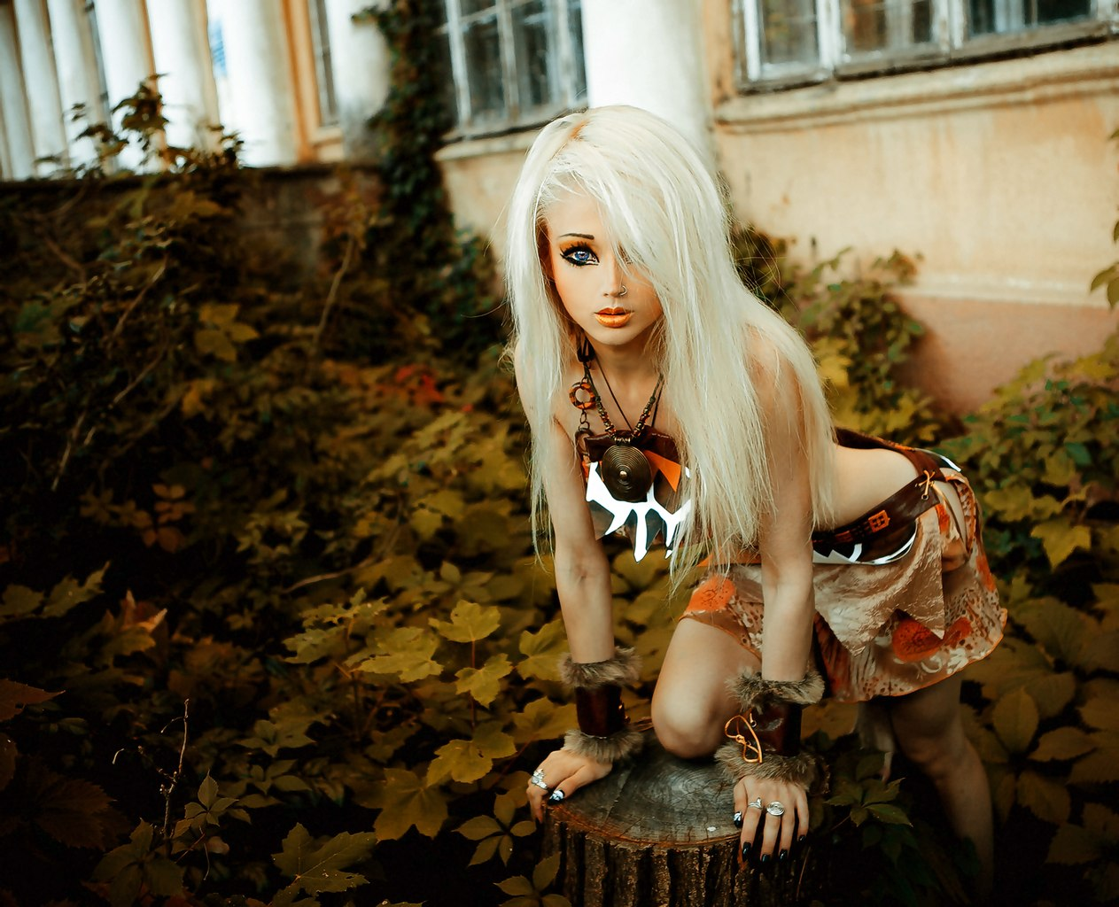 у 29-летней украинской модели Валерии Лукьяновой на Фэйсбук около 1 млн 200 тысяч подписчиков