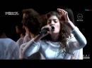 LORDE Yellow Flicker Beat from Mockingjay PART 1 - Live at American Music Awards AMAs