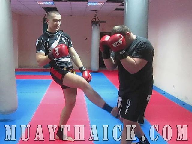 Тайский бокс Самоучитель Травмирующая комбинация для самообороны на улице