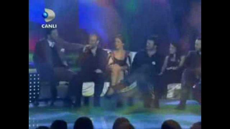 The stars of binbir gece singing