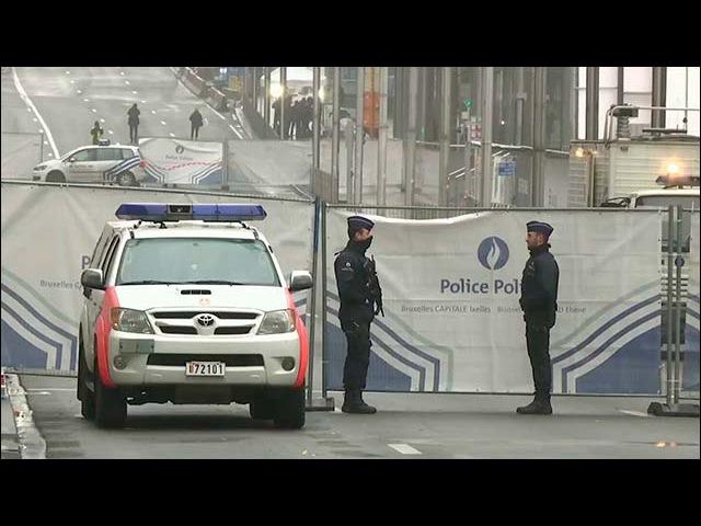 После терактов в Париже район Моленбек полиция посещает практически раз в неделю - Первый канал