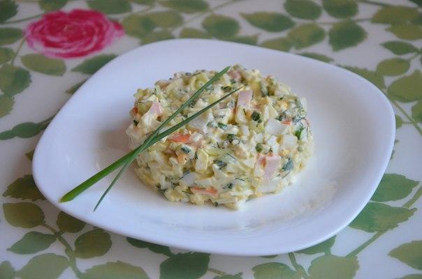 Салат из крабовых палочек огурцов